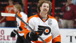 Claude Giroux and the Flyers are currently in a playoff spot despite having one fewer win than the Red Wings.